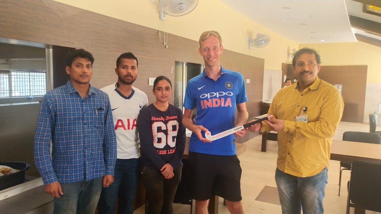 Incredible Hockey India – Au Revoir –